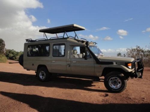 tanzania safari vehicle